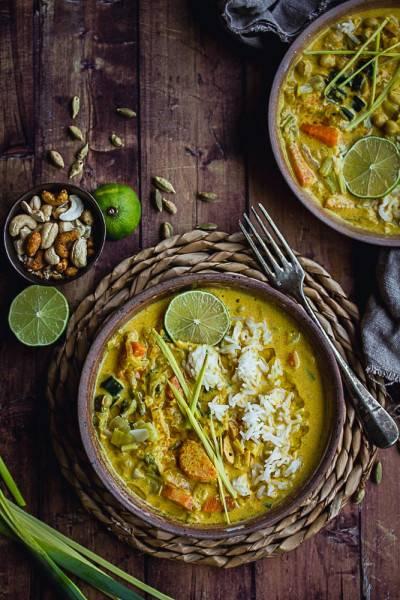 Curry de poireaux, carottes et pois chiches