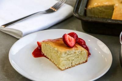 Gâteau aux amandes et son coulis de fraise