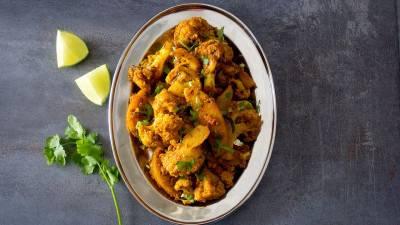 Aloo gobhi: pommes de terre et chou-fleur à l'indienne