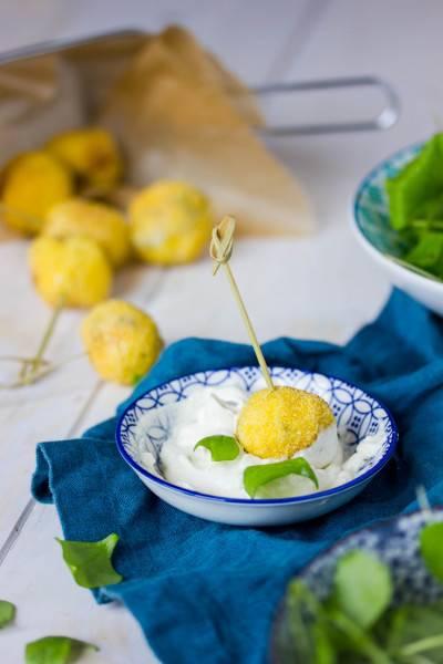 Boulettes de tofu panées olives-algues + véganaise