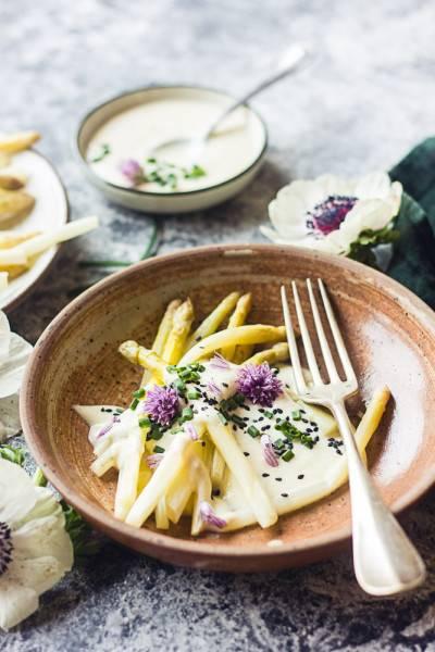 Asperges blanches au yaourt citronné