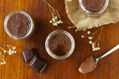 Crème au chocolat et lait de noisette