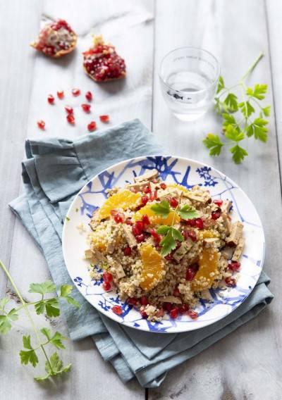 Salade de quinoa au tofu fumé, orange et grenade