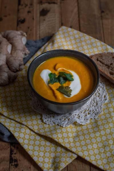 Velouté de carotte au gingembre et lait de coco
