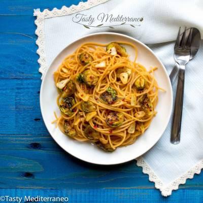 Spaghetti de lentilles corail aux choux de Bruxelles