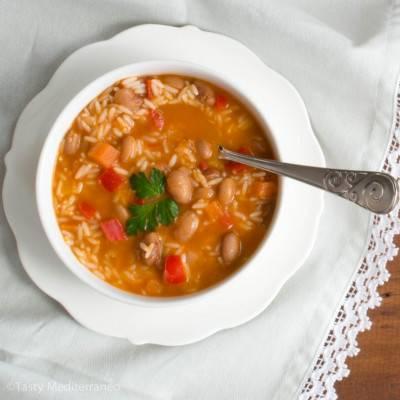 Soupe de haricots pinto et au riz