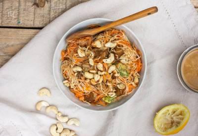 Salade thaïe de vermicelles au tofu sauté