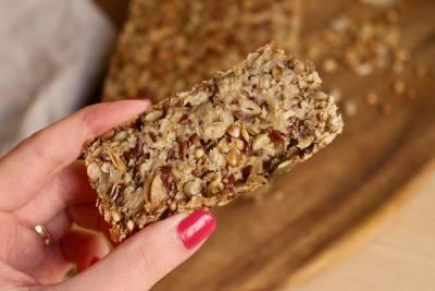 Pain complet aux graines sans farine