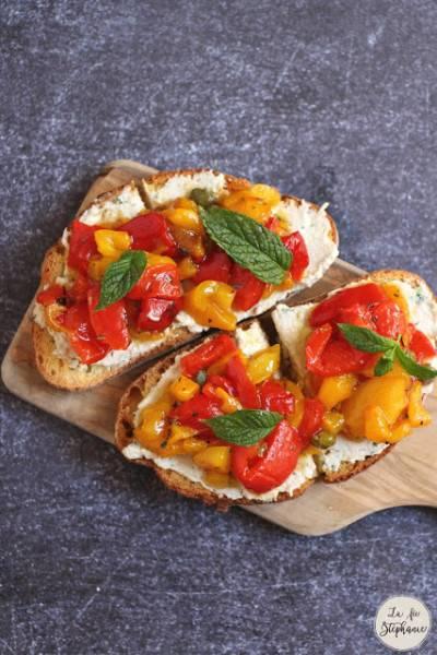 Bruschette aux poivrons rôtis et au vromage de cajou