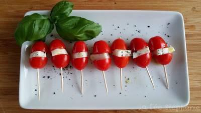 Brochettes de tomates enfantines