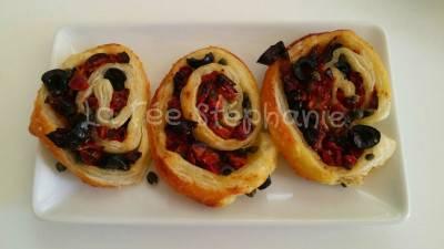 Petits roulés tomates séchées, câpres et olives