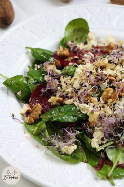Salade betterave, épinards et tofu