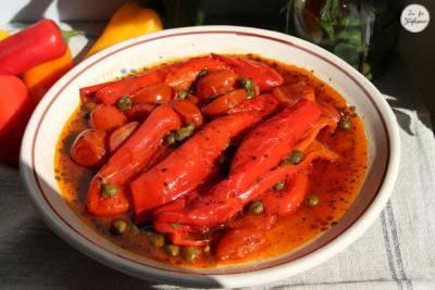 Peperonata aux câpres et tomates fraiches