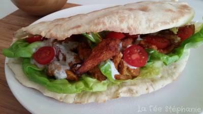 Kebab végan et sa sauce blanche