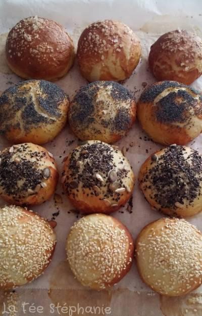 Petits pains bretzels alsaciens