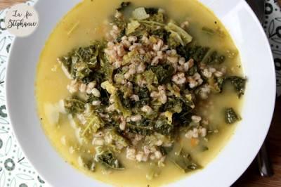 Soupe au chou vert et petit épeautre