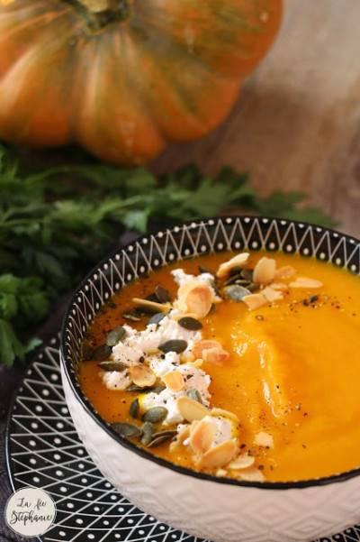 Soupe de courge et carottes au curcuma