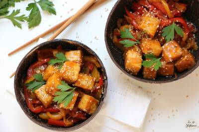Bol de poivrons caramélisés et tofu grillé