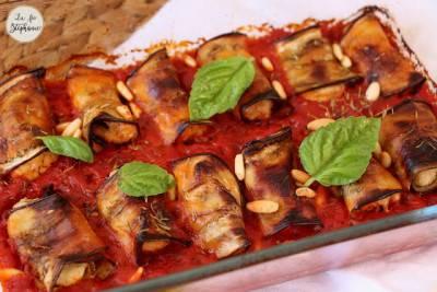Gratin de roulés d'aubergine au fromage végétal