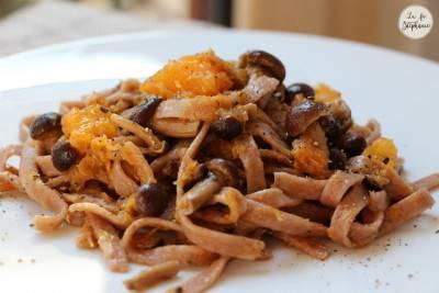 Pâtes fraiches à la farine de châtaigne, courge et champignons
