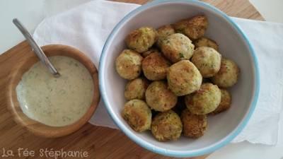 Boulettes de haricots blancs et sauce blanche épicée