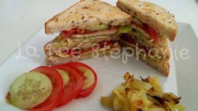 Club sandwich express au tofu et véganaise maison
