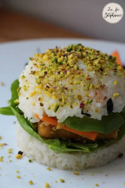 Sushi burger de tofu croustillant