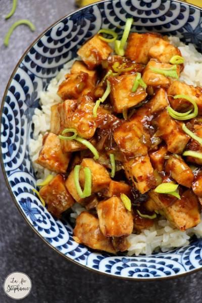 Tofu sauté au poireau en sauce asiatique