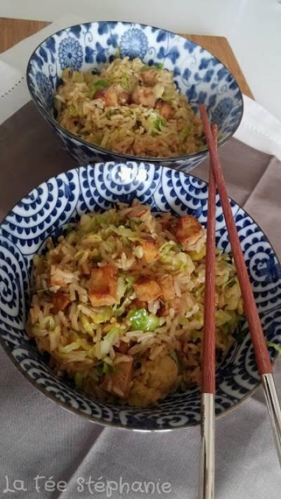 Wok de choux de Bruxelles au riz complet et au tofu grillé