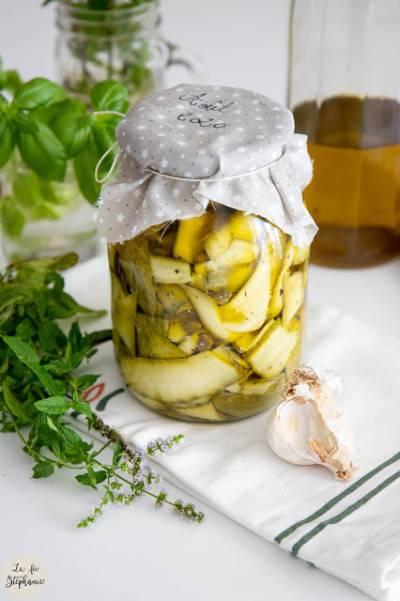 Courgettes à l'huile d'olive en bocal