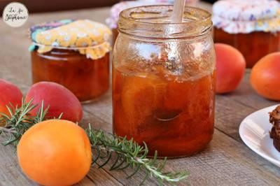 Confiture d'abricots allégée en sucre