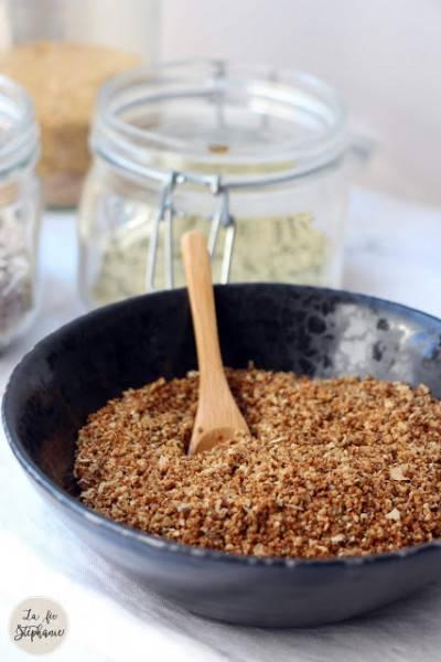 Parmesan de graines grillées au miso