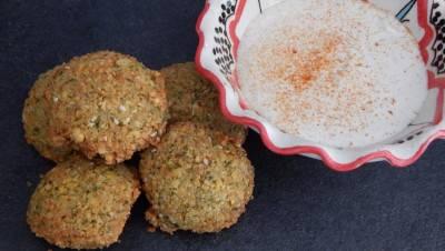Falafels et sauce au sésame
