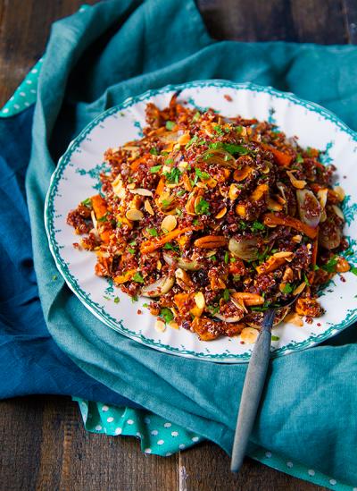 Salade gourmande de quinoa et légumes rôtis