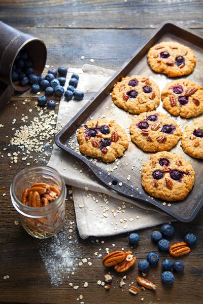 Cookies aux myrtilles, noix de pécan et sirop d'érable