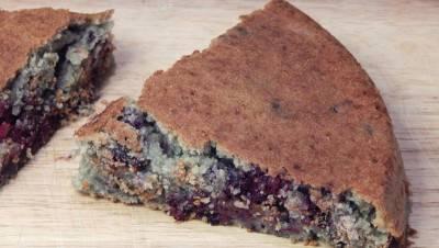 Gâteau amandes-fruits rouges
