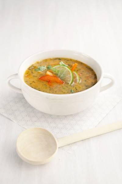 Soupe thaïe à la cacahuète et au curry rouge