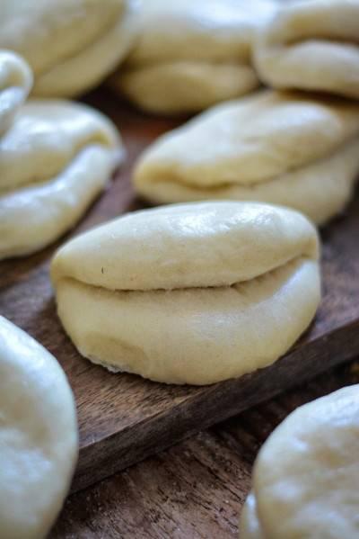 Petits pains «bao bun» cuits à la vapeur