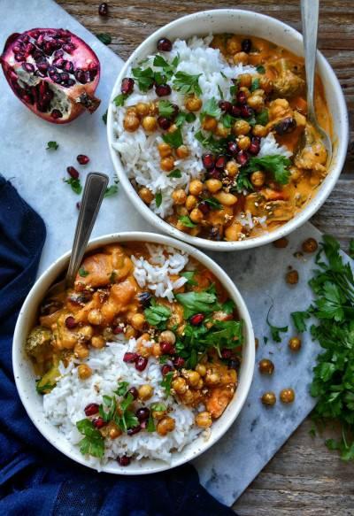 Curry thaï de patates douces et pois chiches croquants