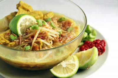 Soupe soto ayam au seitan