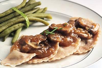 Raviolis aux oignons caramélisés et châtaignes
