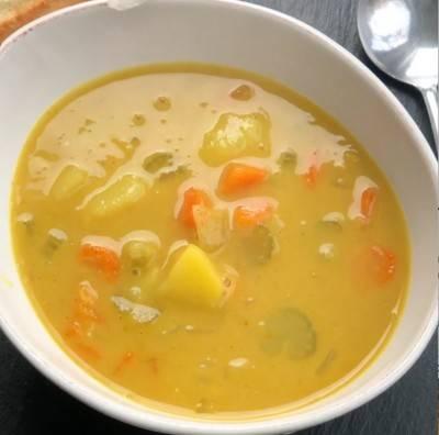 Soupe de pois cassés au curry