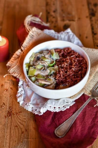 Poêlée de poireaux et champignons au riz complet