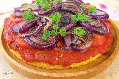 Tarte de polenta aux légumes