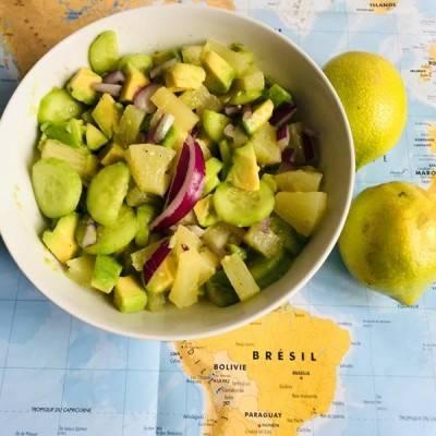 Salade avocat, ananas et concombre