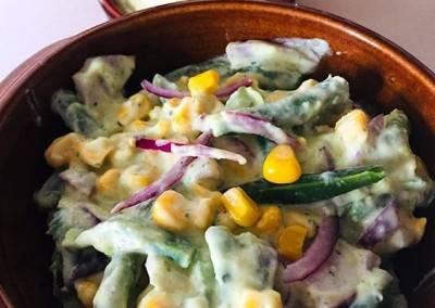 Salade de haricots verts, maïs et avocat