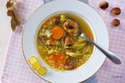 Soupe au chou à la châtaigne