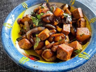 Wok de chou-rave et tofu aux 5 épices