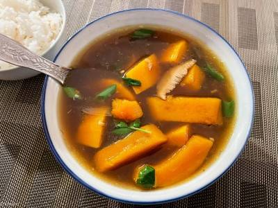 Soupe vietnamienne à la courge