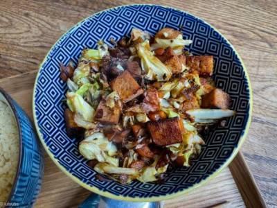 Wok de chou au tofu décongelé